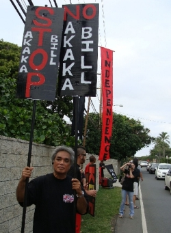 Ku`e against Akaka Bill in Kailua 3